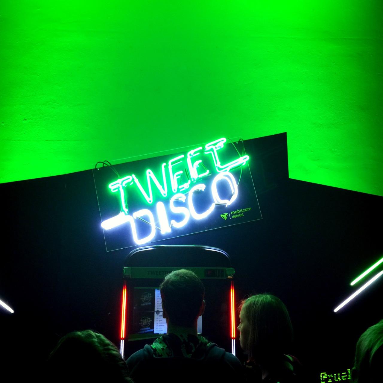tweet disco - 1