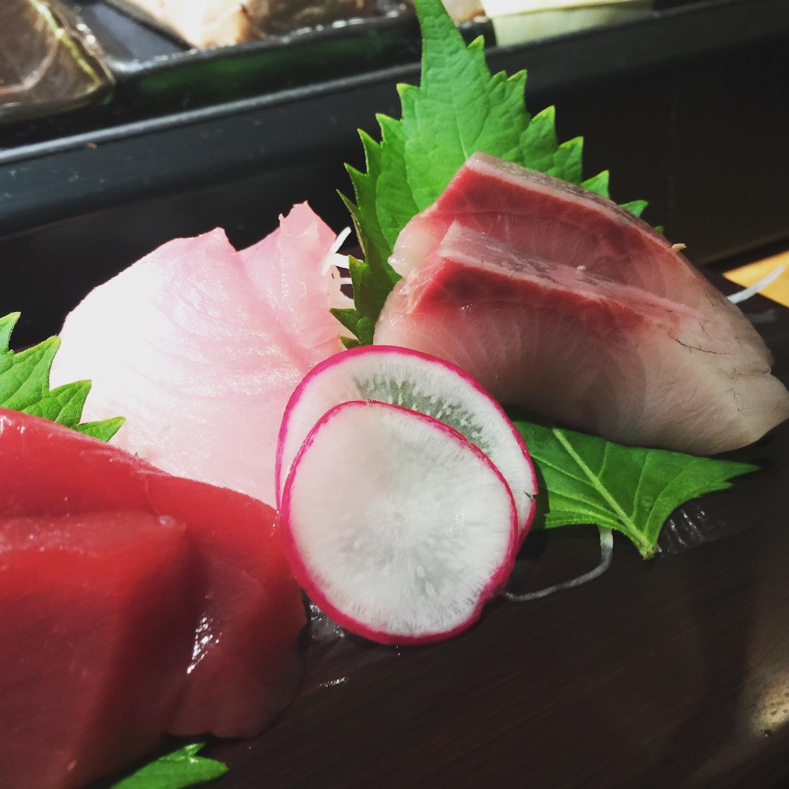 Sushi Ran - sashimi moriawase - hon maguro, bincho maguro, hamachi