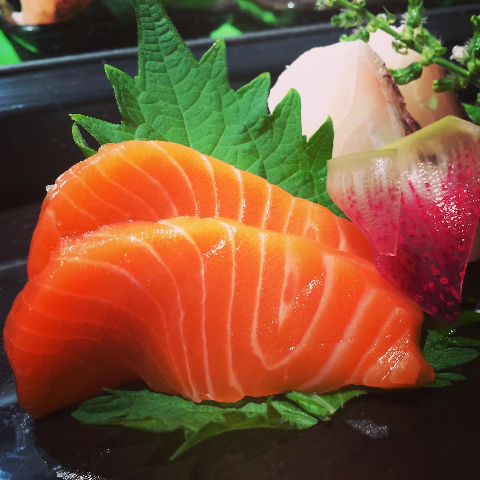 Sushi Ran - sashimi moriawase - king sake, aji