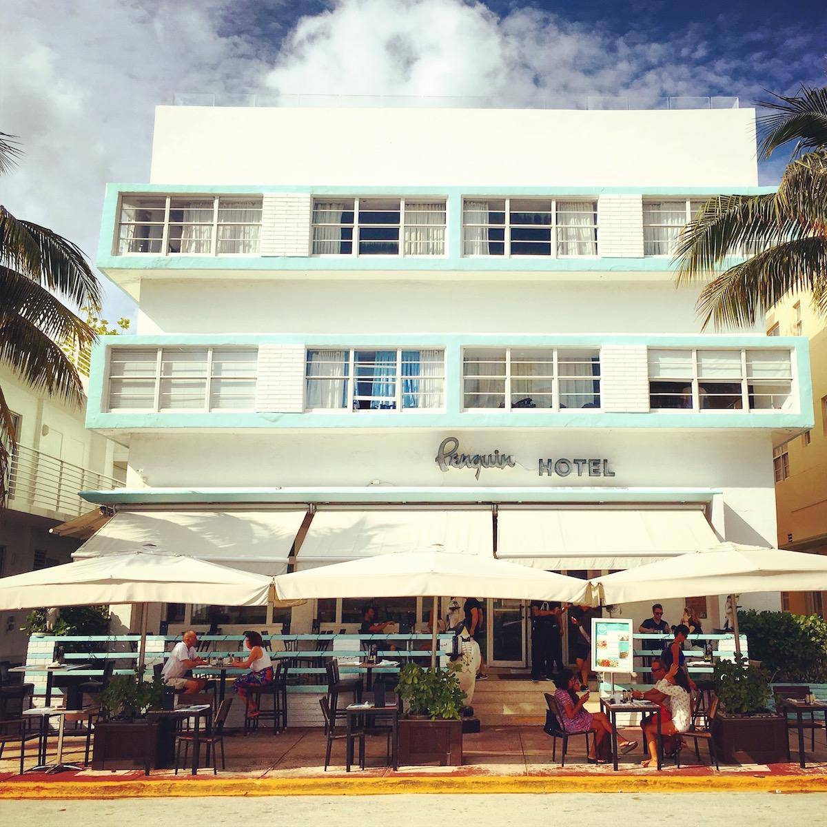 Miami Beach - Ocean Drive - Penguin Hotel