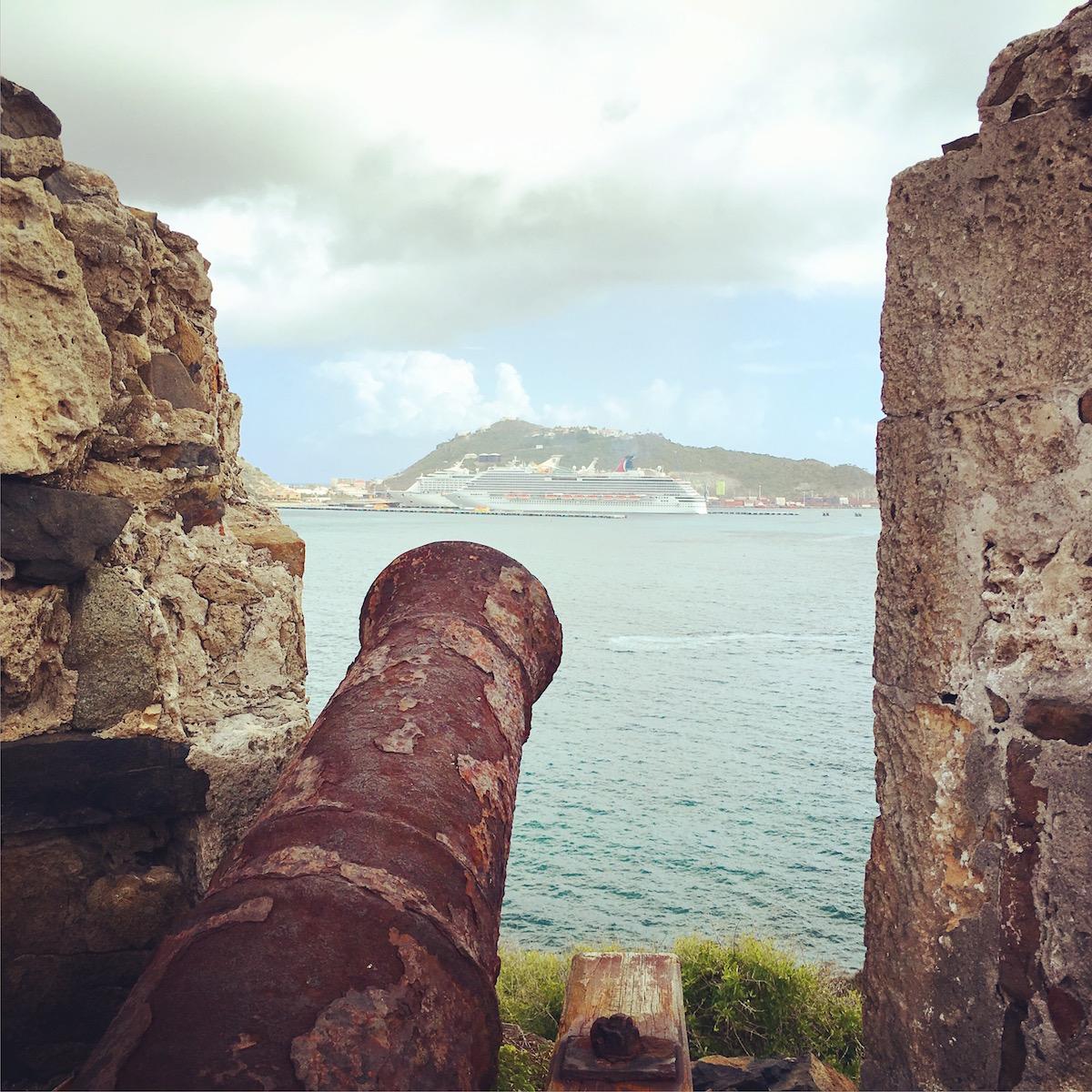 Sint Maarten - Fort Amsterdam cannon