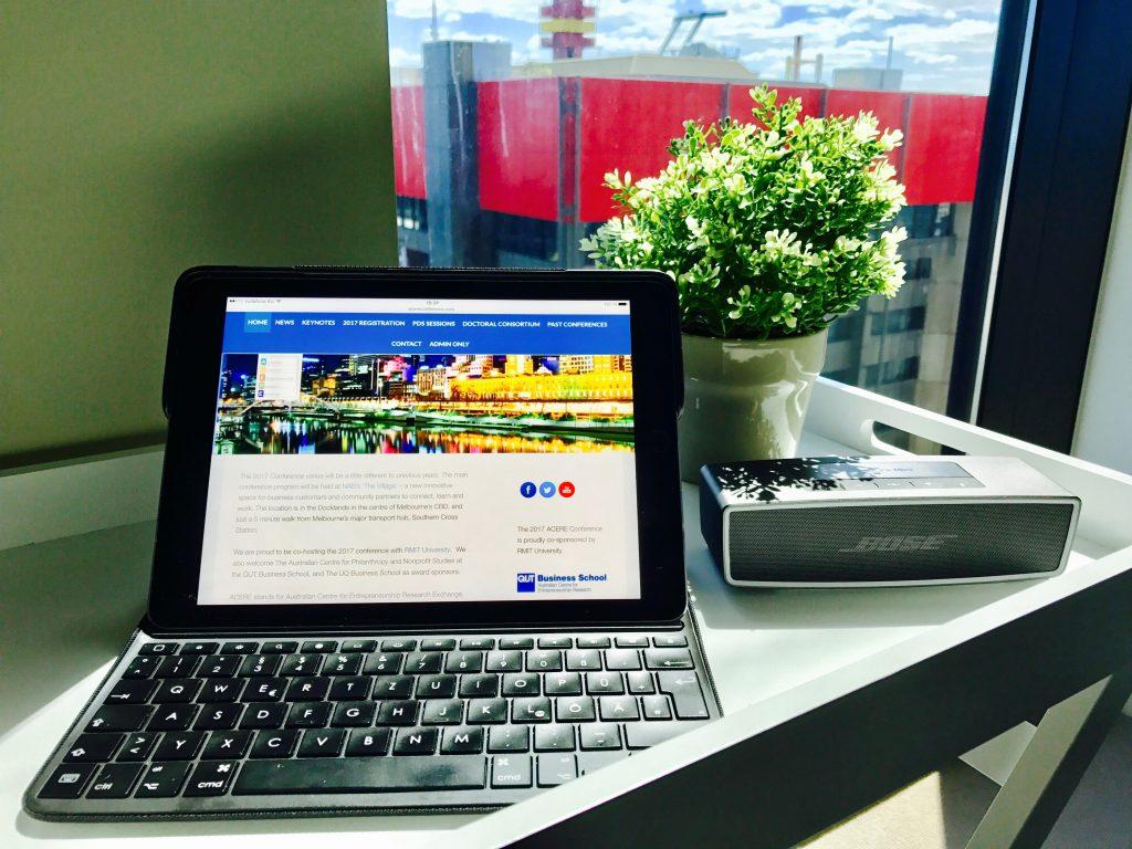 Melbourne Desk